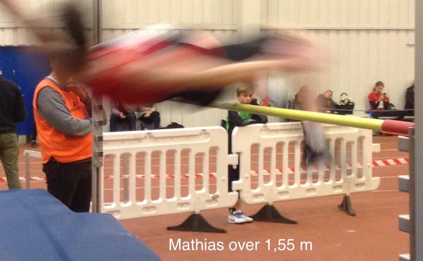 Mathias i højdespring.